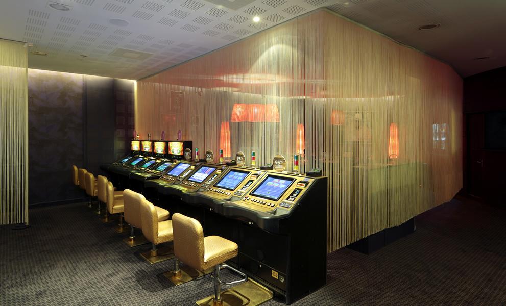 05-zone-poker-casino-du-cap-dagde-sophie-petit